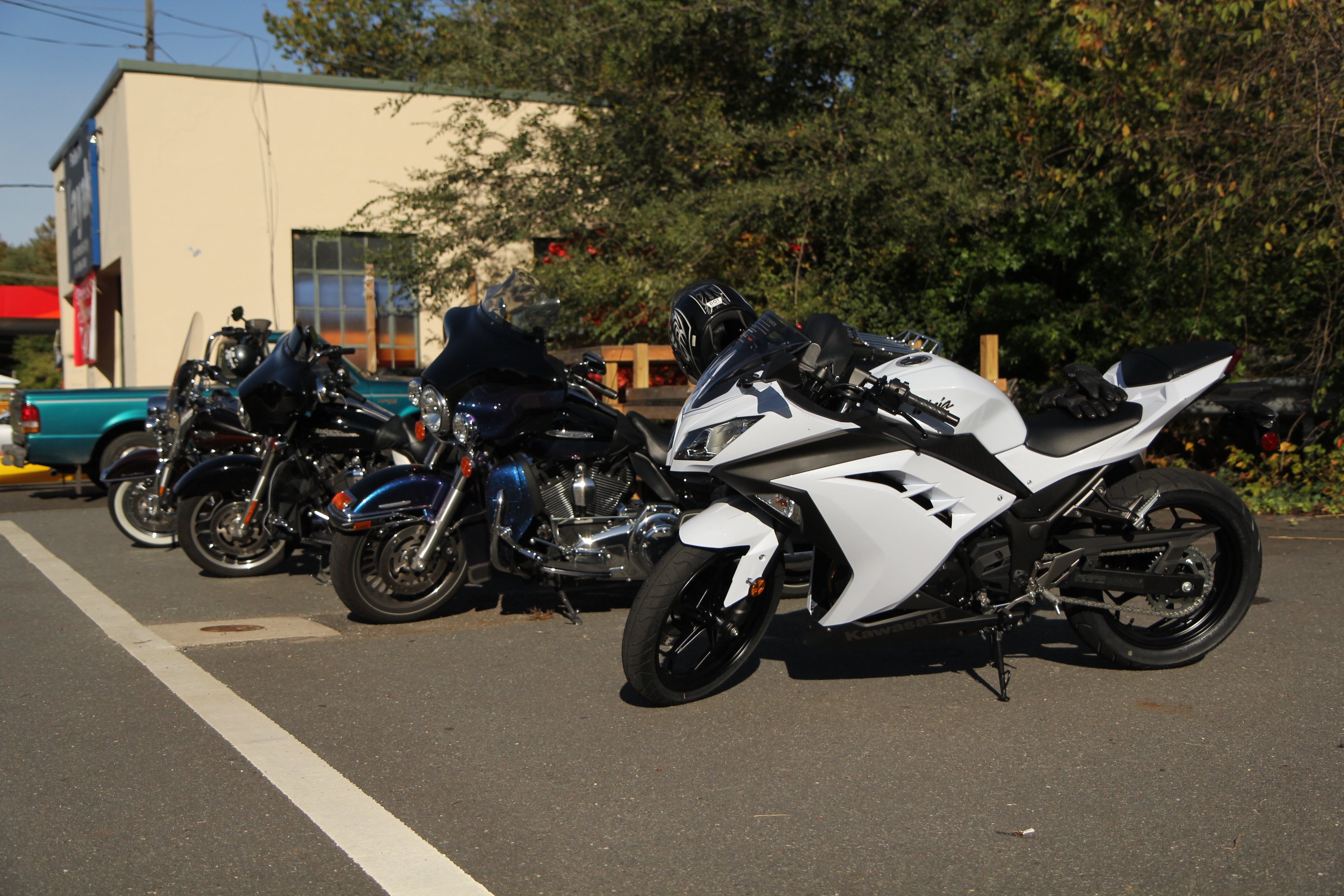 Ride and review of the 2013 Kawasaki Ninja 300 (non-ABS ...